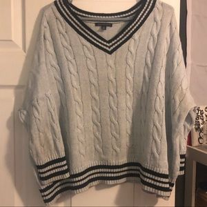 American Eagle Light Blue Cable Knit Sweater 💕